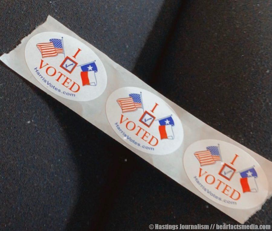 Many voters are sharing their stickers they receive at the end of their polling session in order to encourage others to also go vote!